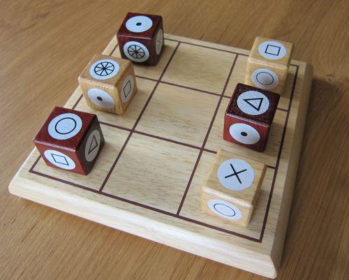 Board Game: Tria