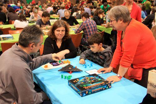 Board Game: Triominos Gold
