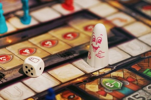 Board Game: Escape from the Hidden Castle