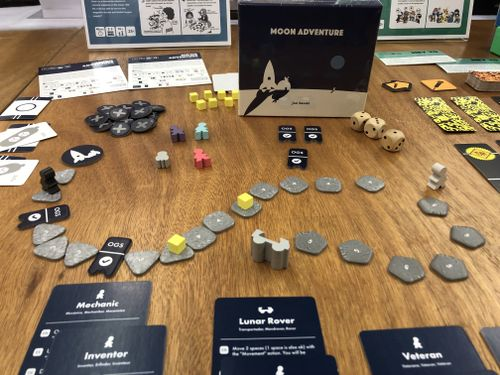 Board Game: Moon Adventure