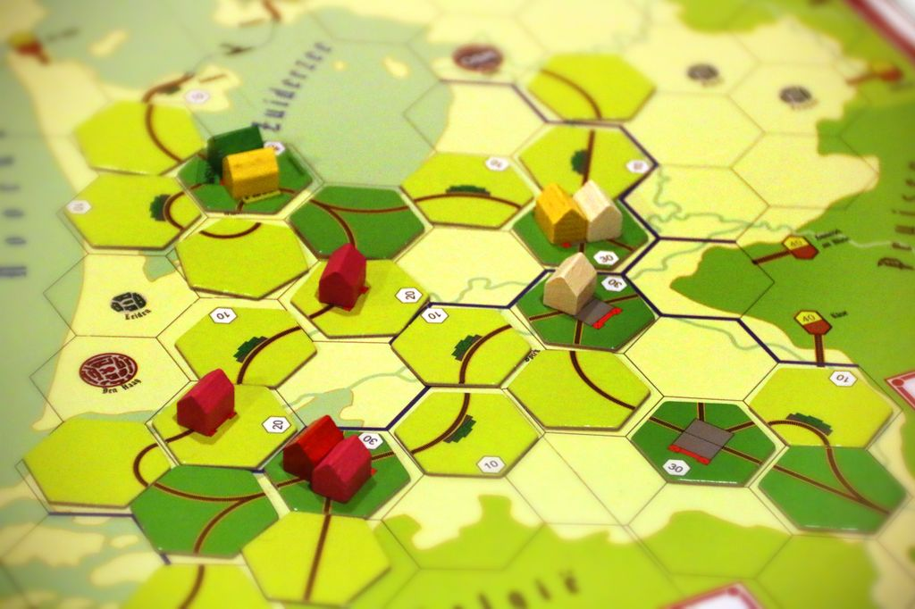 Board Game: Steam over Holland