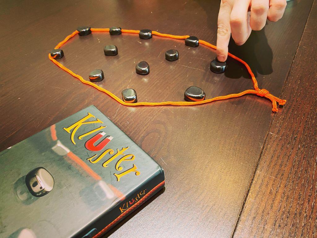 Board Game: Kluster