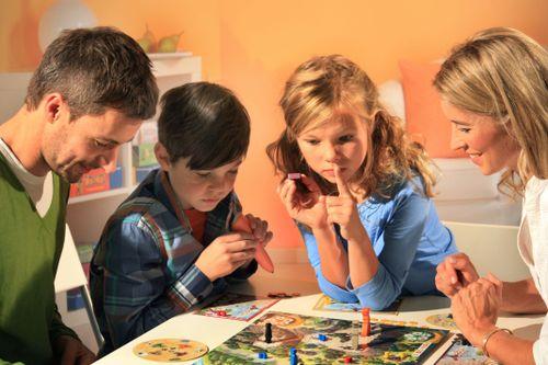 Board Game: Wettstreit im Hexenwald