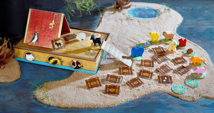 A game of Critter Cruise mid-play with a thematic background from the side