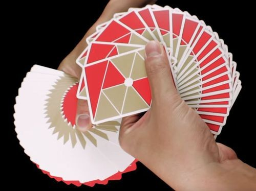 Use a cardistry deck