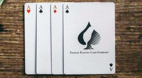 隱藏的國王撲克牌