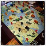 Vista general de la partida. Cuatro mapas, dos jugadores.