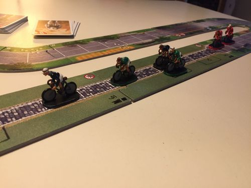 Board Game: Flamme Rouge: Peloton