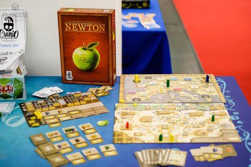 Board Game: Newton