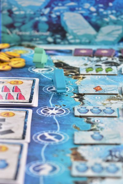 Boardgames in close-up: Whale riders