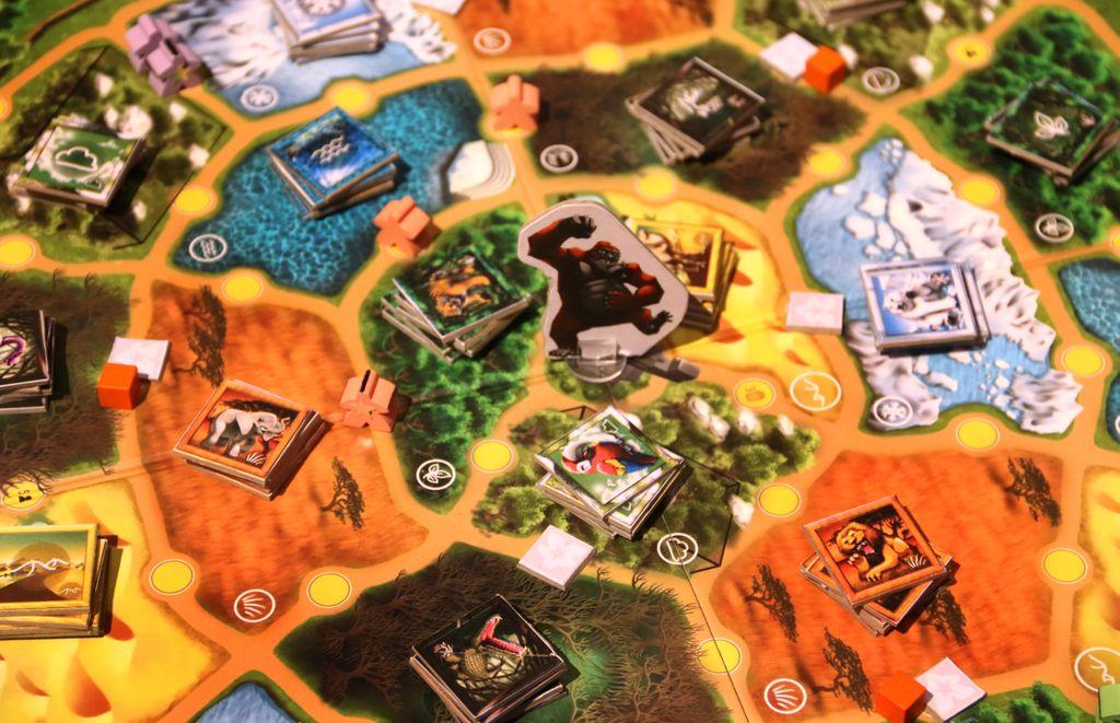 Board Game: Paparazzoo