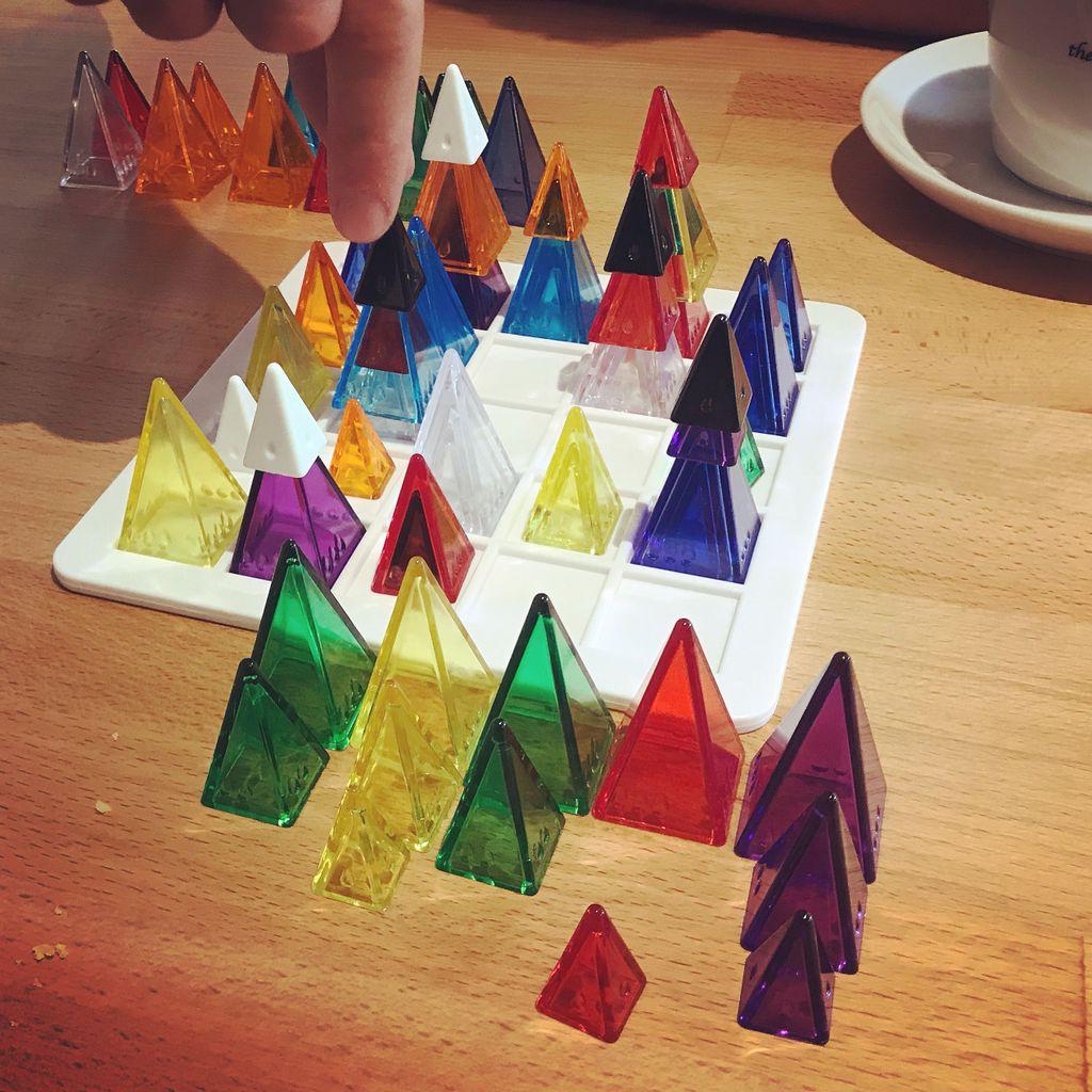 Board Game: Volcano