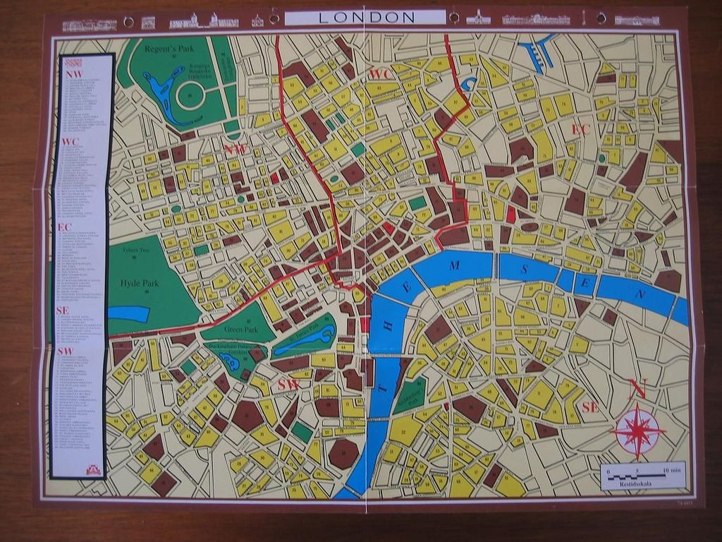 Custom map sherlock holmes consulting detective the thames although the original english stylised map is ok in its hand drawn charm i thought it would be even better to use an actual vintage london map gumiabroncs Gallery
