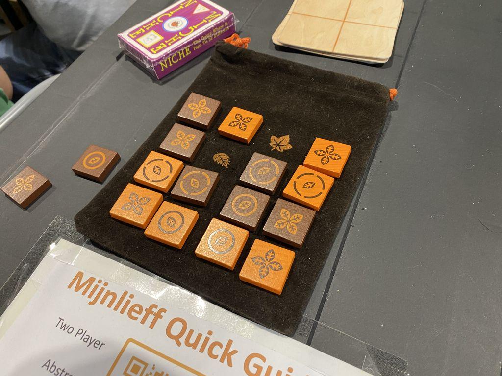 Board Game: Mijnlieff