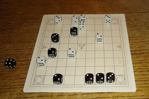 Board Game: Three Dragons