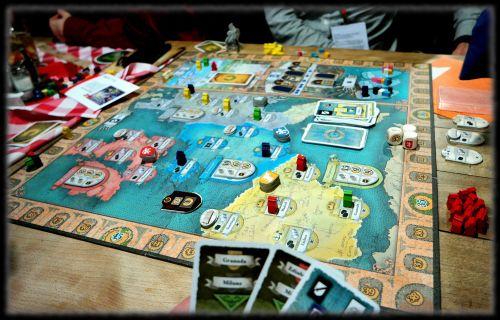 Board Game: Dynasties: Heirate & Herrsche