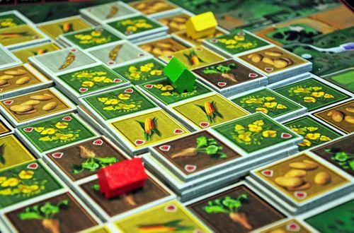 Board Game: Heartland